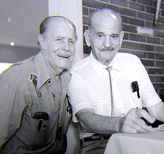 Director Oliver Drake and stuntman Yakima Canutt at the St. Louis Western Film Fair in 1979. (Thanx to Grady Franklin.)