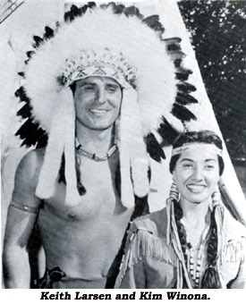 Keith Larsen and Kim Winona as Brave Eagle and Morning Star.