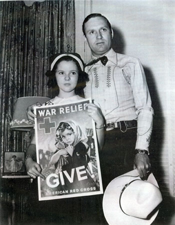 Gene Autry and Shirley Temple got together to promote the American Red Cross during World War II.