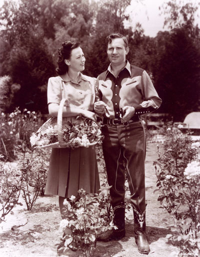 Gene and his wife Ina in their garden in 1942.