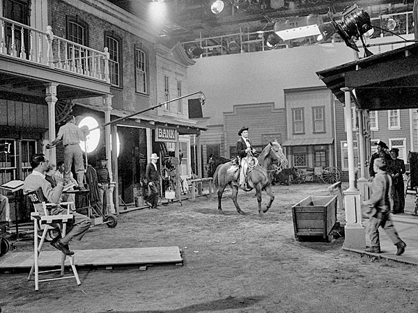 "Terrific shot of James ""Maverick"" Garner shooting a scene on the  Warner Bros. soundstage. (Thanx to Roy Bonario.)"