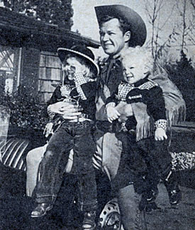 Bill Williams as Kit Carson with daughter Jody and son Billy in late 1955.