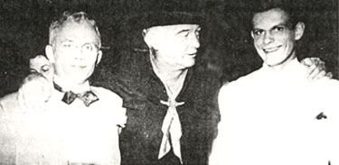 William Boyd as Hopalong Cassidy appeared with Cole Bros. Circus in 1950. Hoppy shown here with Milton and John Herriott of Cole Bros. Milton had the center ring Liberty act of eight horses and a pony while John presented the two end ring Liberty acts of seven and eight horses, respectively. (Thanx to Jack Bennett.)
