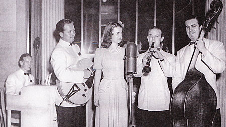 Dale Evans performs with bandleader Austin Mansfield in Chicago.  (Thanx to Janet Brayden.)