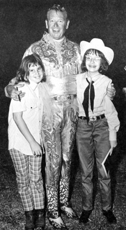 Rex Allen at the 101 Ranch Rodeo in Ponca City, OK in 1971. Shown here with Ellen Whall and Evelyn Galutia.
