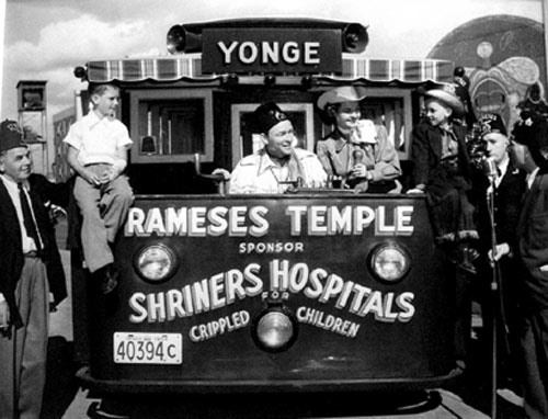 Shriner Roy Rogers and wife Dale Evans make an appearance for the Rameses Temple in North York, Ontario, Canada in 1954. (Thanx to Bobby Copeland.)