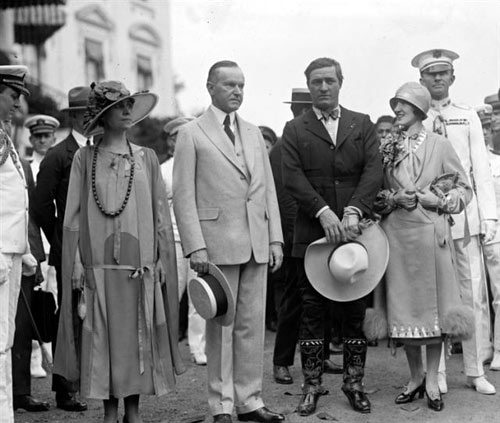 Tom Mix and his wife meet with President Calvin Coolidge and his wife in 1925. (Thanx to Bobby Copeland.)