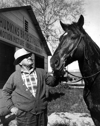 Ace Hudkins at Hudkins Brothers Stables. Date unknown. Hudkins Bros., located near Warner Bros., began renting horses to movies in the '30s. (Thanx to Sam Lawson, Pat Mefford.)