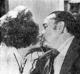 Sharing a kiss are Tex and Dorothy Fay Ritter in August 1973.