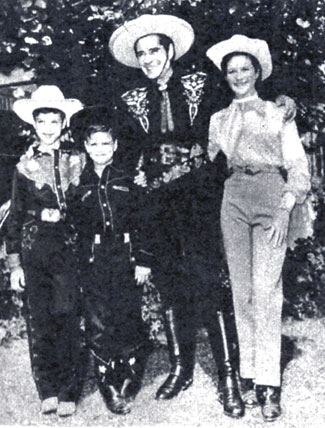 The Cisco Kid, Duncan Renaldo at home with his three children, Stephanie, Jeremy and Richard in January 1959. (Thanx to Terry Cutts.)