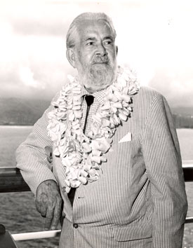 Aloha, Podner! A very debonair George Gabby Hayes aboard Matson liner Lurline before sailing from Honolulu after a May 1965 vacation. (Photo courtesy Neil Summers.)