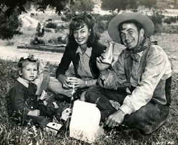 Noah Beery Jr. with his wife Maxine and their daughter. Not sure if this is daughter Muffett or Melissa. (Thanx to Bobby Copeland.)