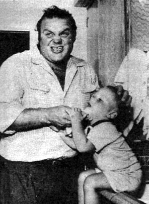 "Dan Blocker, Hoss on ""Bonanza"", with of his son three year old Dennis Dirk. (Thanx to Terry Cutts.)"