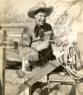 Publicity photo of Wild Bill Elliott during his '38-'39 Columbia years.