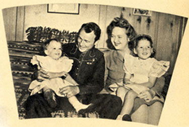The King of the Cowboys Roy Rogers and his wife Arline Wilkins with their daughters Linda Lou (left) and Cheryl (right). The couple were married from June 11, 1936 until her death on November 3, 1946. This photo is from Fall 1944.