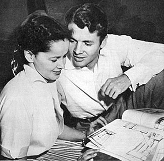 Audie Murphy in early 1951 with wife-to-be Pamela Archer, an airline hostess supervisor in Dallas for Braniff Airways.