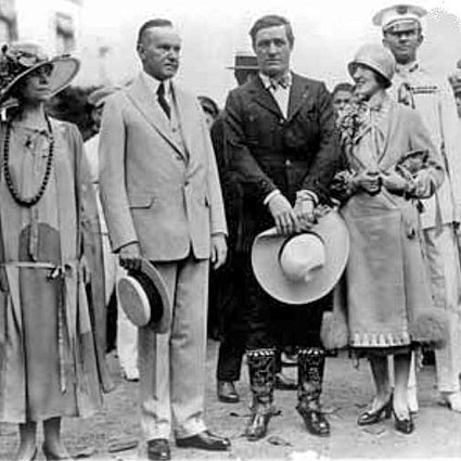 Tom Mix poses with President Herbert Hoover, circa early '30s. (Thanx to Jerry Whittington.)