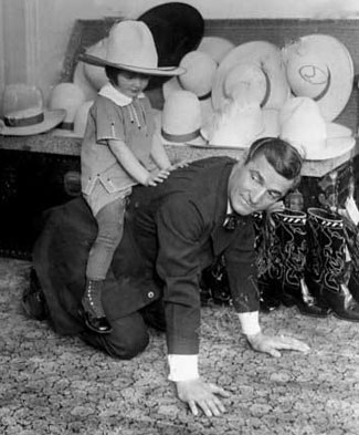 Tom Mix and daughter Thomasina (4/02/25).