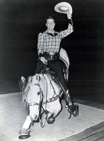 Buster Crabbe in a publicity shot for his WOR TV Channel 9 in New York TV series in 1951. Note the horse's hooves are covered for this indoor photo.