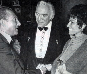"""Bonanza""'s Lorne Greene and wife Nancy greet Toronto theatre owner Ed Mirvish in the early '70s. Mirvish bought and restored Toronto's historic Royal Alexandra Theatre in '63."