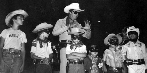 "Clayton Moore visiting with kids in Charleston, SC, during the Lone Ranger ""mask controversy"" in 1980. (Photo courtesy Kenneth Kitchen.)"